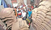 215 tonnes  of OMS rice, wheat seized
