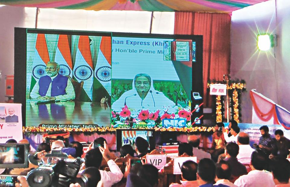 Hasina, Modi open 2nd Indo-Bangla grid line