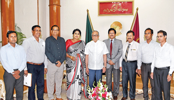 Vice Chancellor of Jatiya Kabi Kazi Nazrul Islam University, meets President Abdul Hamid