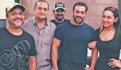 Salman, Sonakshi announce third installment of Dabangg