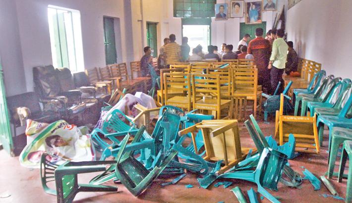JCD men vandalise BNP office in Ctg