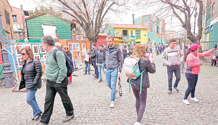 Argentina's currency crisis  a boon for foreign tourists