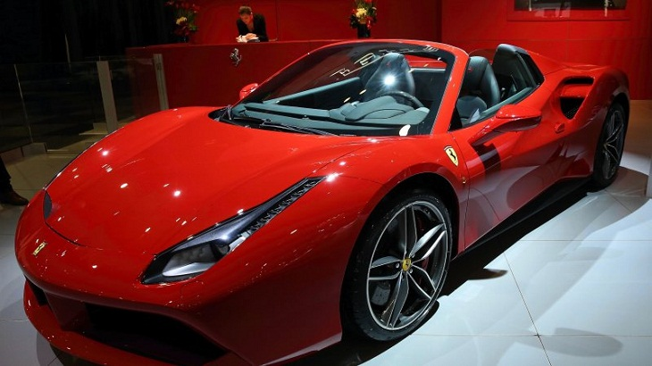 Ferrari says most of its cars will be hybrid by 2022