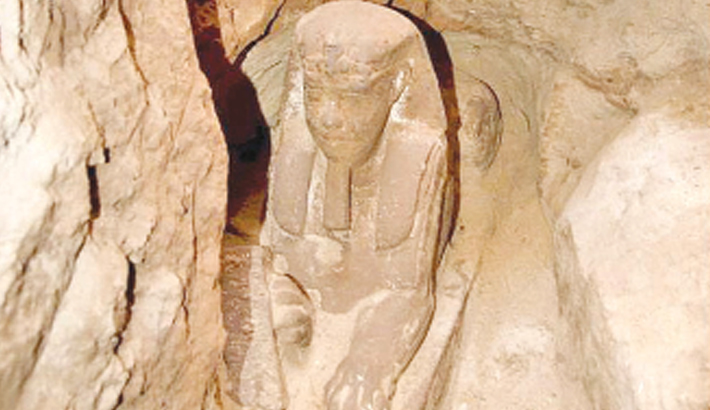 Archaeologists discover sphinx in Egyptian temple