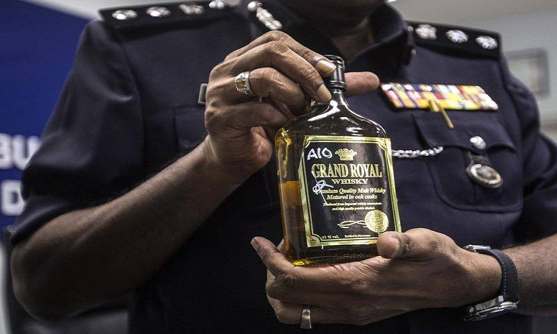 21, including 2 Bangladeshis dead from bootleg liquor in Malaysia