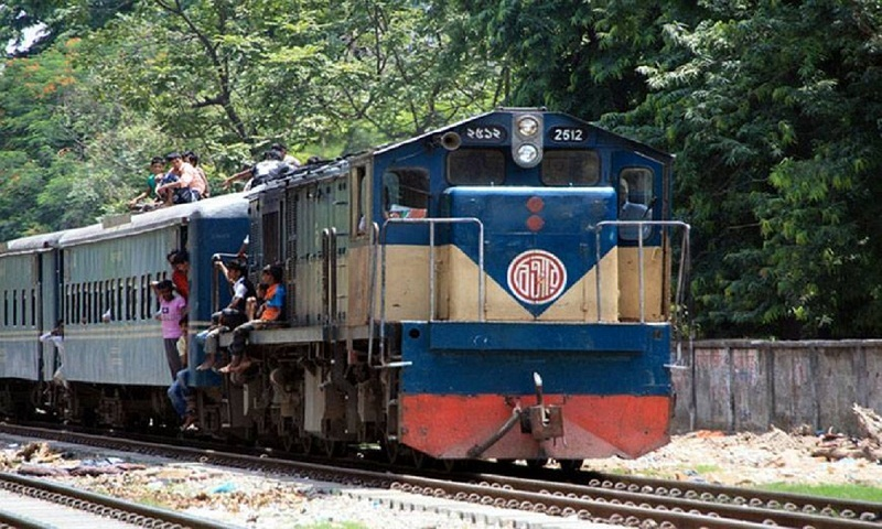 Dhaka-Mymensingh rail link resumes after 15 hrs