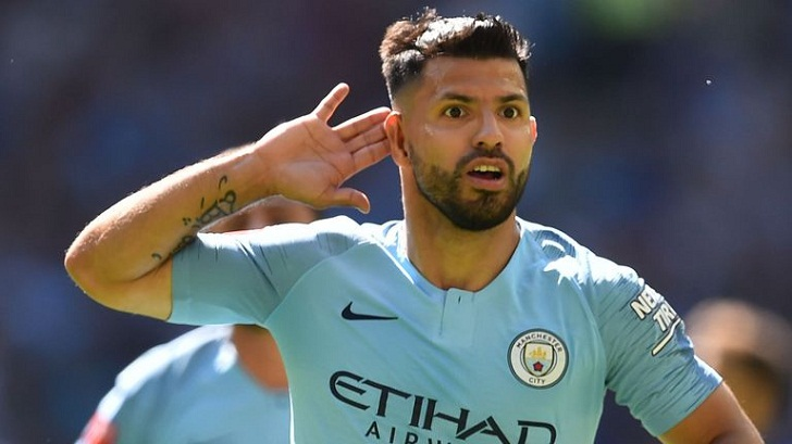 Man City's record scorer Aguero extends stay
