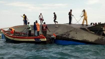 Lake Victoria Tanzania ferry disaster: Divers hunt for survivors