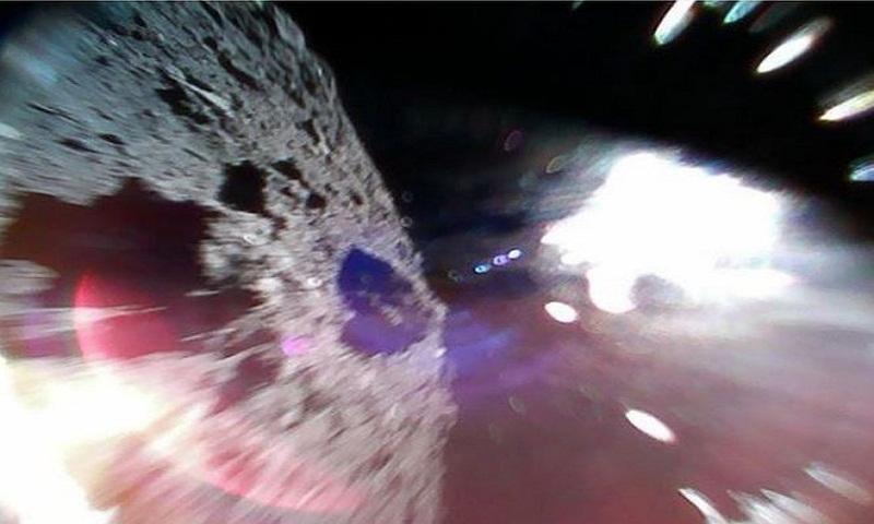 Hayabusa-2: Japan's rovers send pictures from asteroid