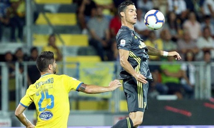 Ronaldo recovers from red card misery to help Juve win 2-0