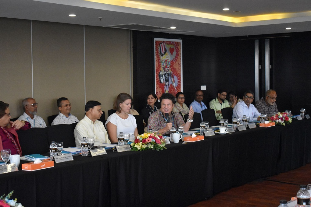 Speakers call for breaking cycle of malnutrition