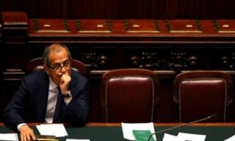 Italy's populists agree budget to 'abolish poverty'