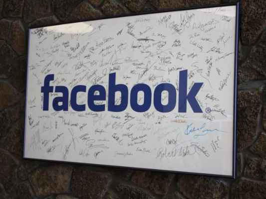 Hackers didn't access any third-party app: Facebook