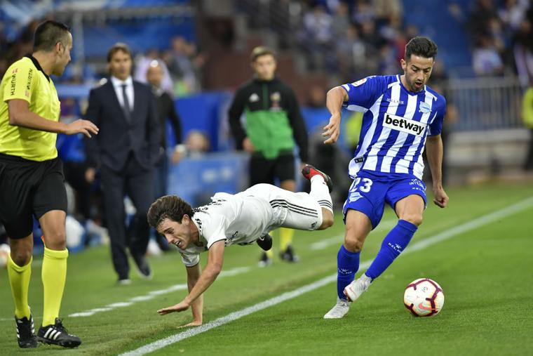 Madrid loses at Alaves on last-gasp goal, winless in 4 games