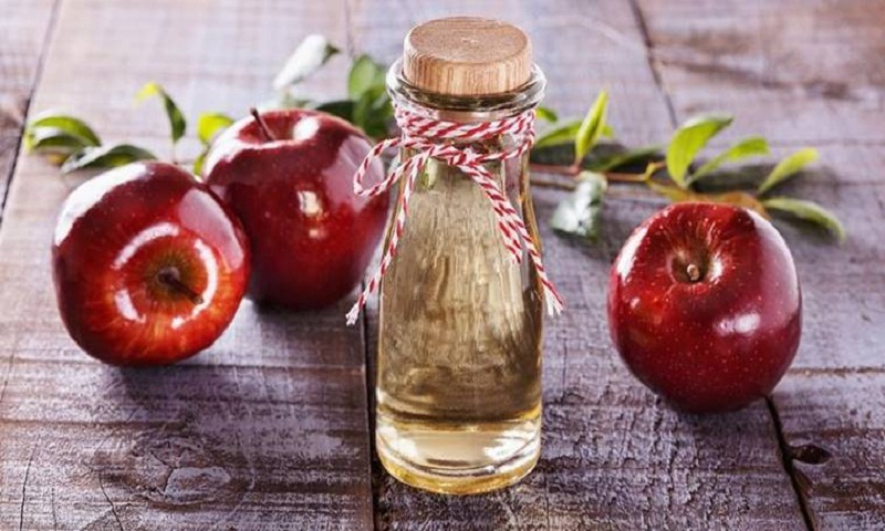 From treating dandruff to glowing skin: Here are some uses of apple cider vinegar