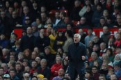 After United recovers to win, Mourinho lashes out at critics