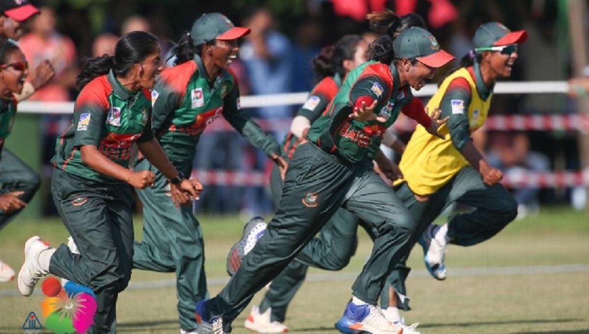 Khadija's six-for wins one-off ODI for Tigresses against Pakistan