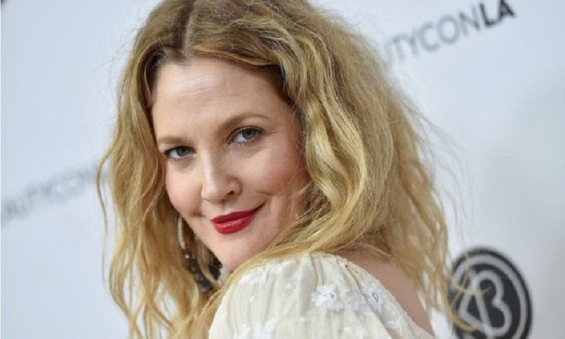 Drew Barrymore: EgyptAir's magazine sorry for 'surreal' article