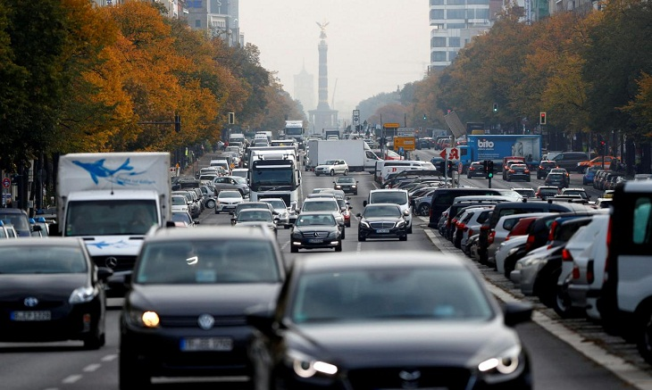German car industry warns CO2 targets risk jobs