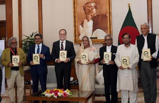 Prime Minister unveils Spanish version of Bangabandhu's autobiography