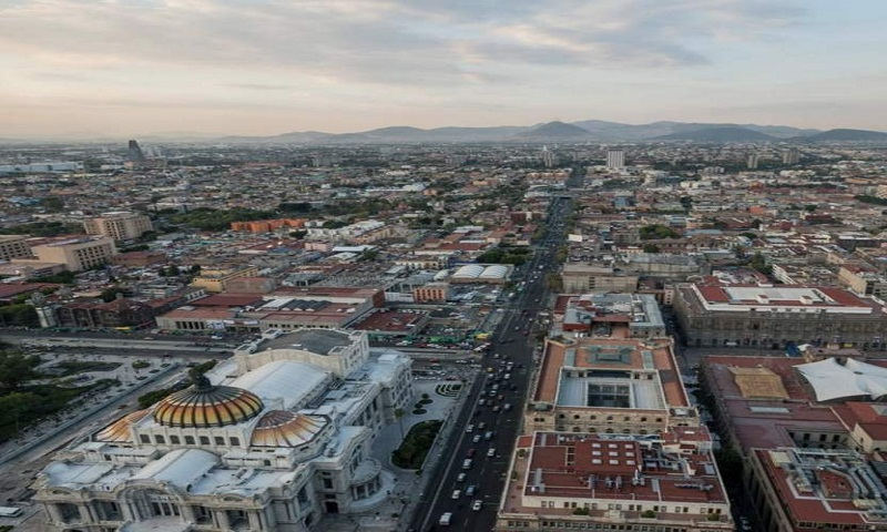 7 dead, 9 missing in collapse of northern Mexico mall