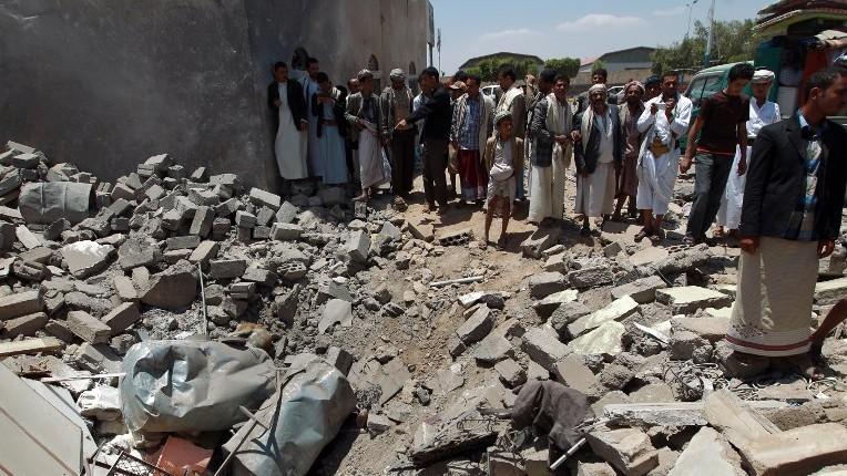 Saudi-led airstrike kills 17 in contested Yemeni port city