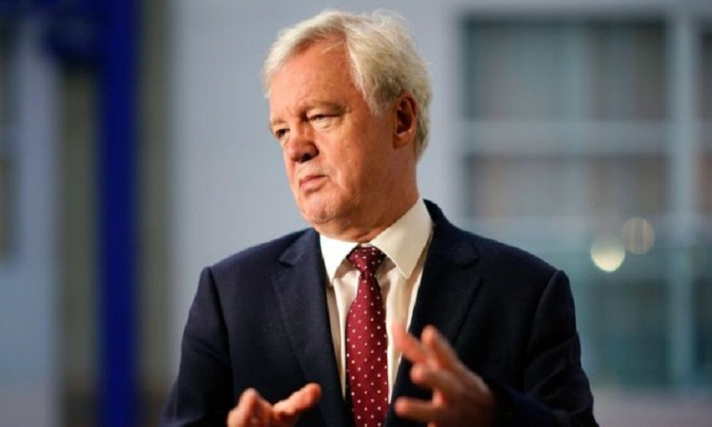 Brexit: David Davis calls for cabinet rebellion over PM's plan