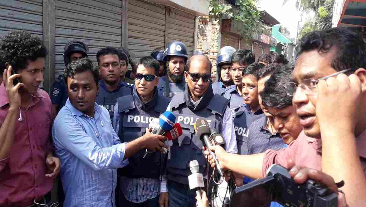 Police cordon off 'militant dens' in Narsingdi