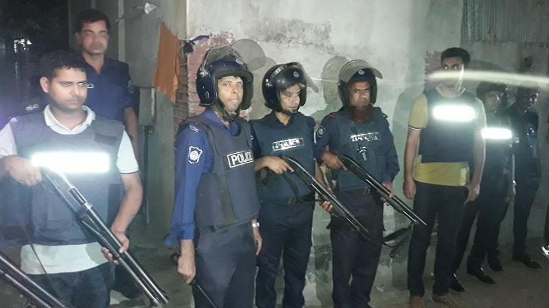 Gunshots heard at Narsingdi 'militant den'