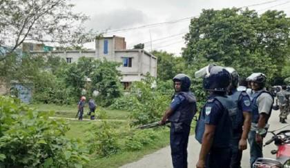 Police cordon off two militant 'hideout' in Narsingdi