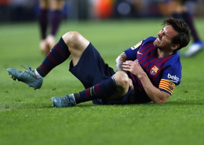 Messi breaks right forearm, out for about 3 weeks