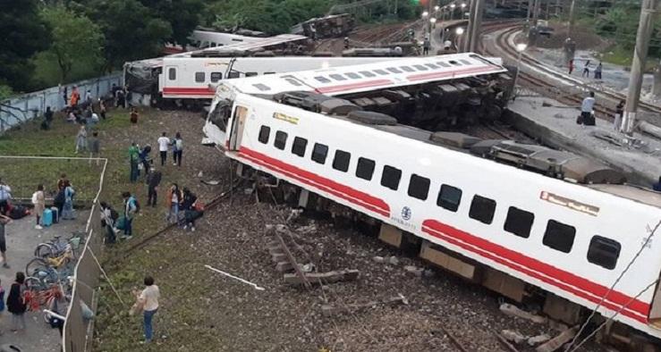 Taiwan investigates train crash that killed 18