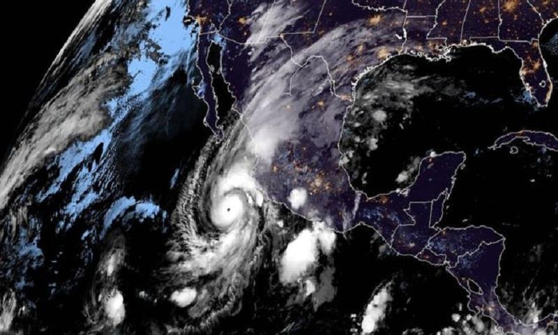 'Dangerous' hurricane heads for Mexico