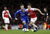 Arsenal beat Leicester 3-1 for 10th straight win