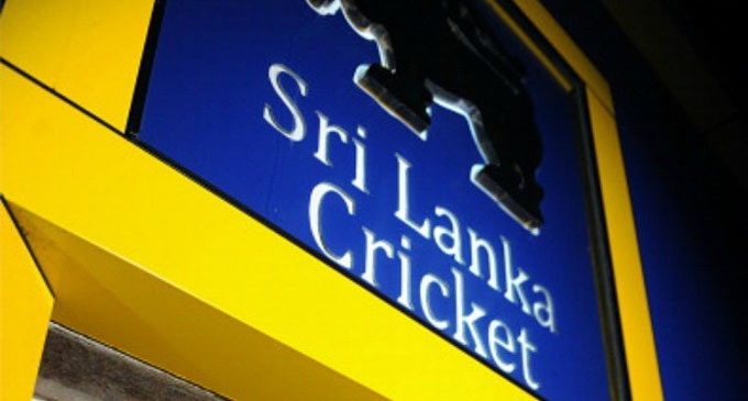 Lanka cricket food supplier sacked for serving booze to England fans