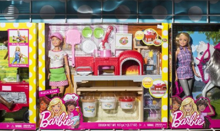 Toymaker Mattel ekes out profit despite lower sales