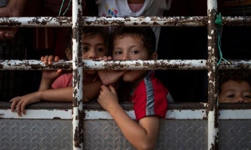 Migrant caravan: Mexico offers temporary work permits