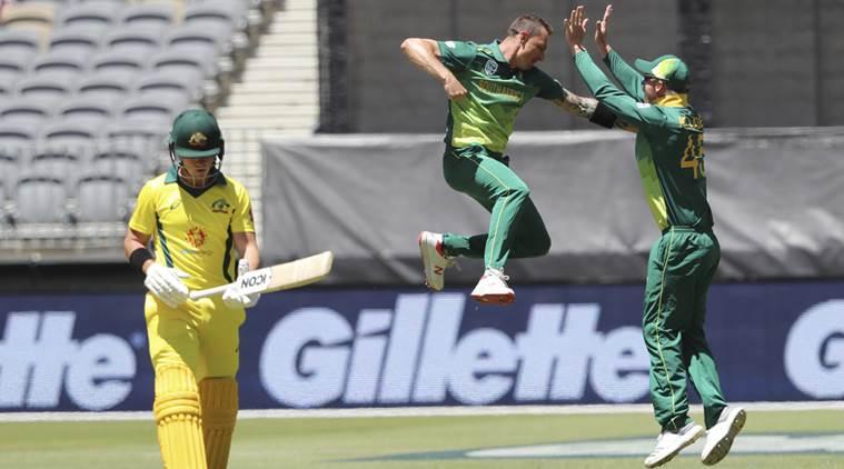 South Africa win toss, bowl in first Australia ODI