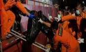 Indonesia extends search for Lion Air victims, debris