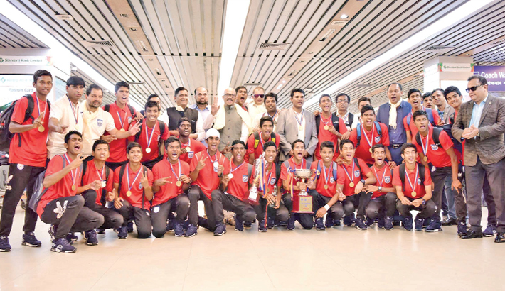 Bangladesh U-15 SAFF winning team return home
