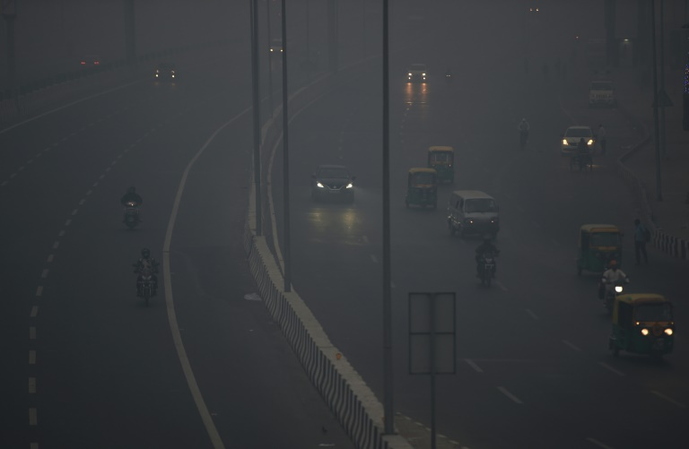 Delhi suffers toxic smog hangover after Diwali firework frenzy