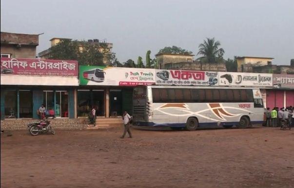 Natore transport workers' strike halts Dhaka-Rajshahi bus services