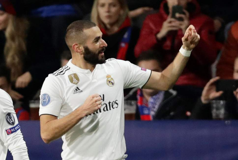 Benzema brace helps Solari's Real thump Plzen