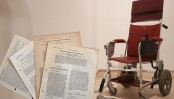 Stephen Hawking's wheelchair sells for $393,000 at auction