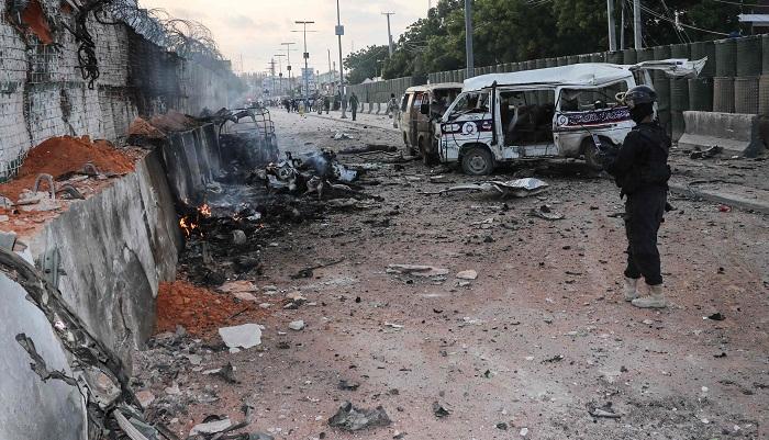 20 dead as 4 car bombs explode in Somalia's capital