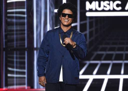 Bruno Mars to provide Thanksgiving meals for 24K in Hawaii