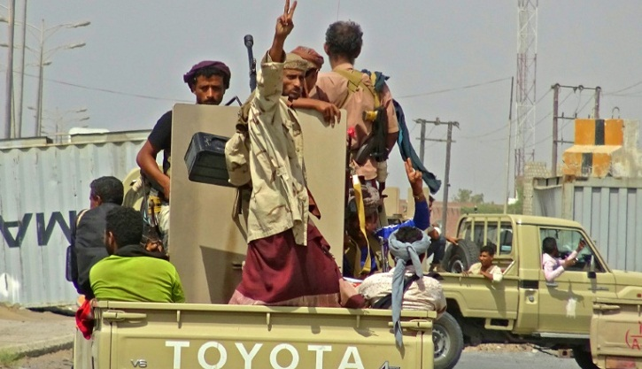 149 killed as Yemen rebels hold back loyalists in Hodeida