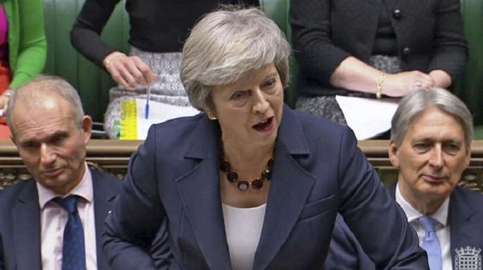 British PM wins cabinet backing for Brexit deal