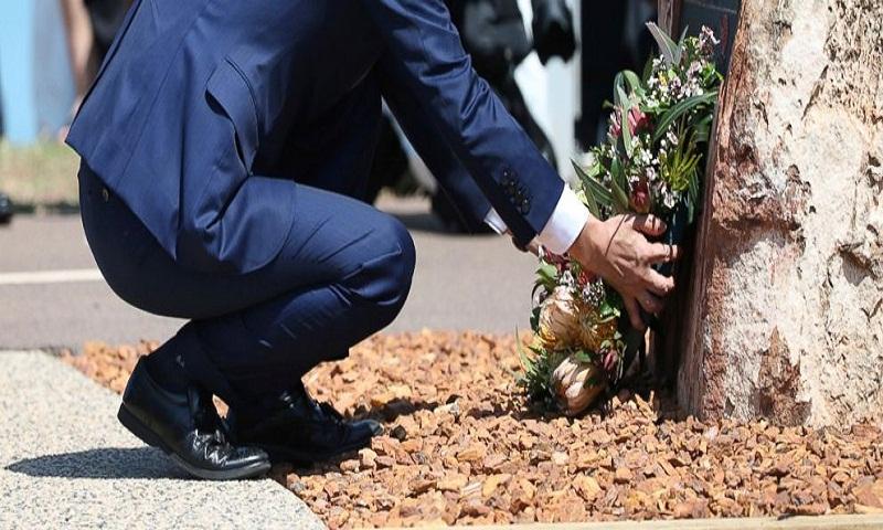 Abe visits Australia's Darwin shrine to Japanese war dead