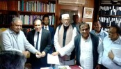 Reza Kibria submits his nomination form to Dr Kamal